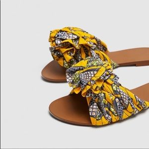 Zara Trafaluc Fabric Printed Sandals SZ 10